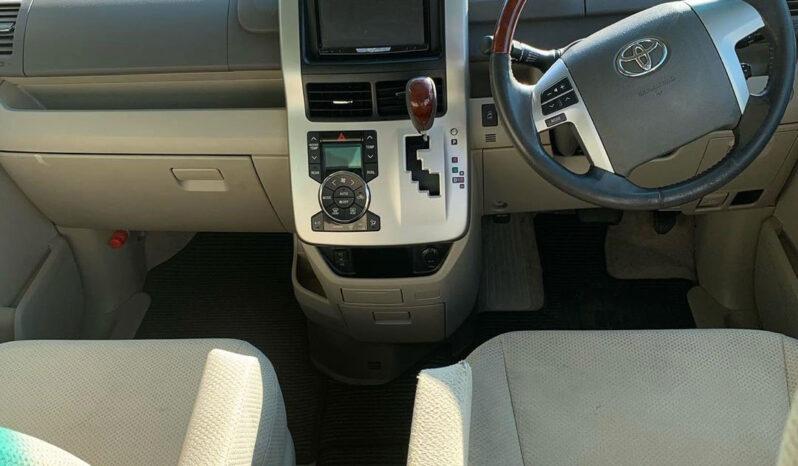 Toyota Noah 2014 full